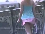 Девушки, не носите короткие юбки, когда ветер