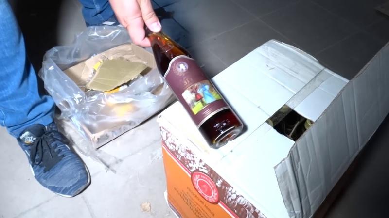 В Крыму полиция нашла склад с нелегальным алкоголем - съемка МВД
