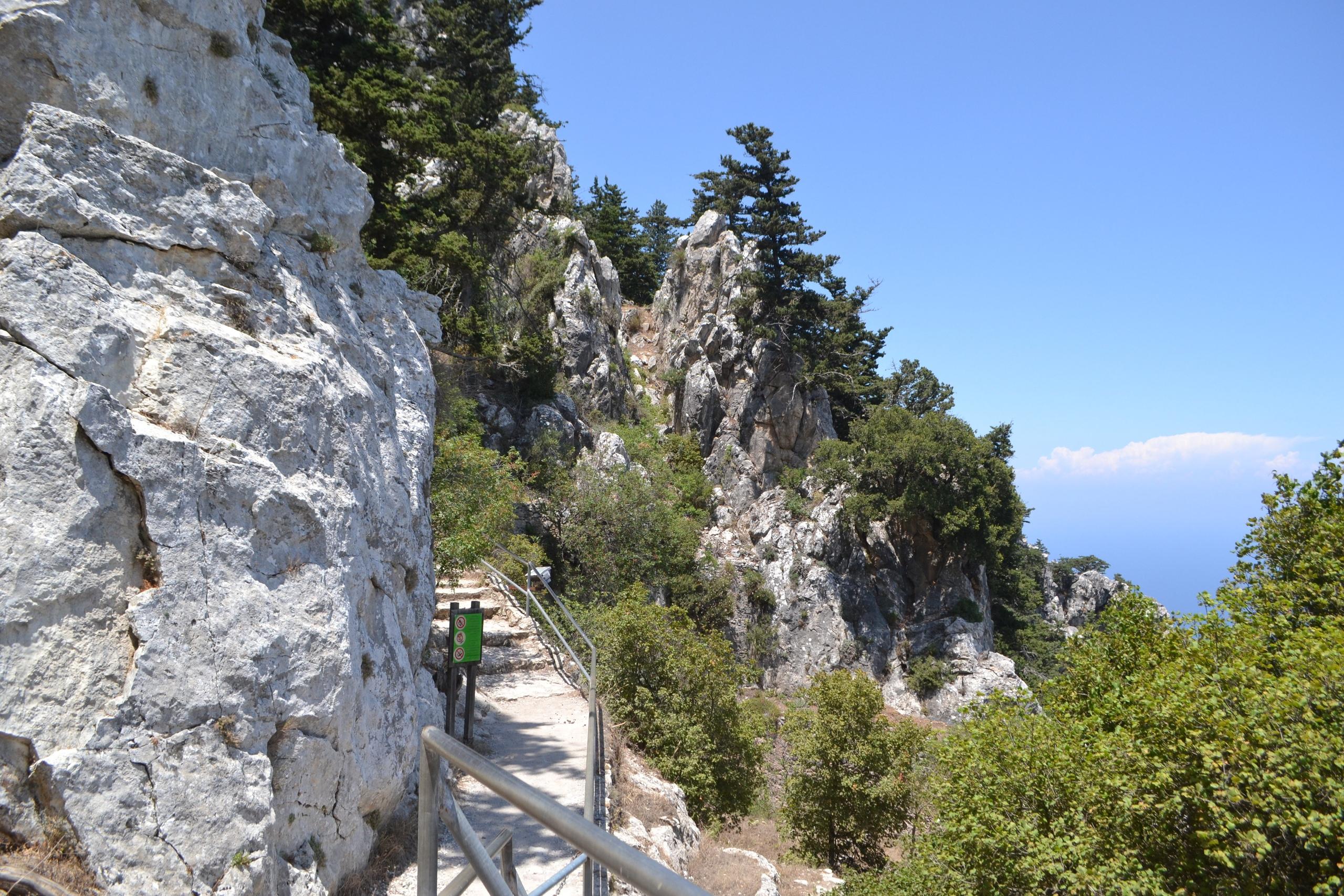 Северный Кипр. Замок Святого Иллариона. (фото). - Страница 2 8J6A_mGULlU