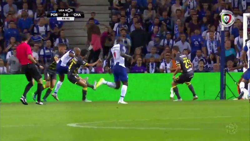 Goal | Golo Brahimi FC Porto (3)-0 D. Chaves (Liga 1819 1) براهيمي