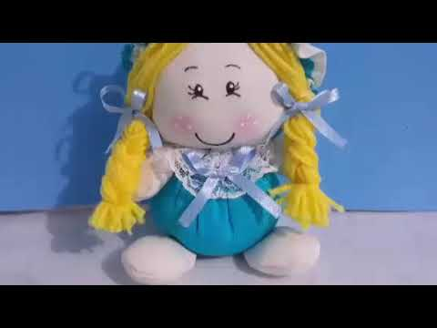 Como fazer uma linda bonequinha sem máquina feita a mão Artesanato com Cris Pinheiro passo á passo