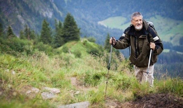 10 способов прожить долгую и счастливую жизнь Секрет долголетия мечтают узнать все. Ведь так приятно было бы узнать тайну долгой и счастливой жизни. А еще приятней стало бы, если бы этот совет позволил ничего не делать и при этом оставаться сильным и здоровым. Такие советы существуют и они далеко не секретные. Просто следуйте 10 предписаниям и вы проживете здоровую, счастливую и насыщенную жизнь. Здоровое питание еще никому не вредило. Ни для кого не станет открытием, что долгожители стараются…