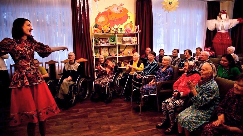 Кинокомпания «Союз Маринс Групп» помогает пожилым людям