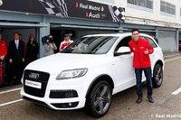 """Игроки  """"Реала """" получили новые  """"Audi """" на сезон 2012/13 + Игроки  """"Реала """" сделали круг по трассе с Марком Жене."""