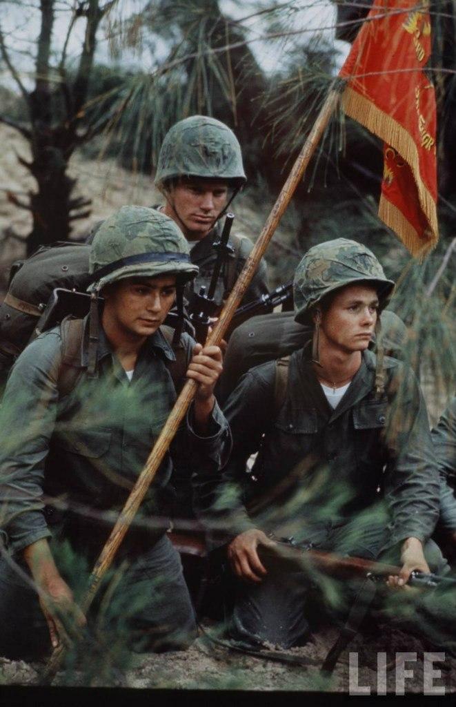 guerre du vietnam - Page 2 EJllKlvpFY4