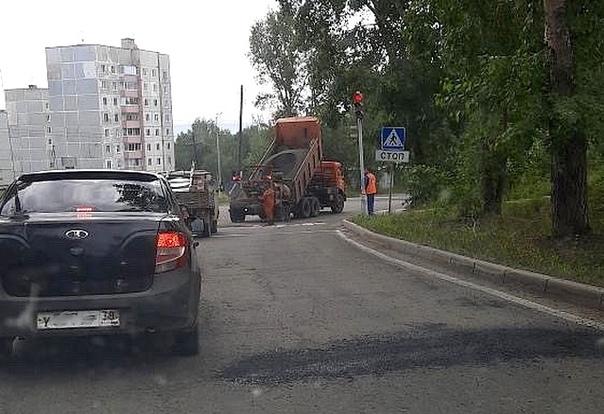 В Усть-Илимске продолжается текущий ремонт дорог