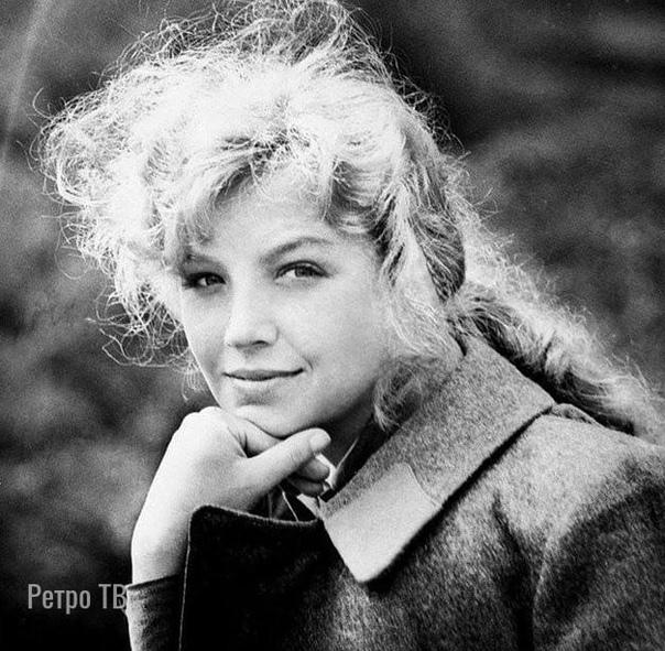 Ольга Остроумова на съемках фильма «А зори здесь тихие», 1972 год  А в каких ещё фильмах она вам запомнилась