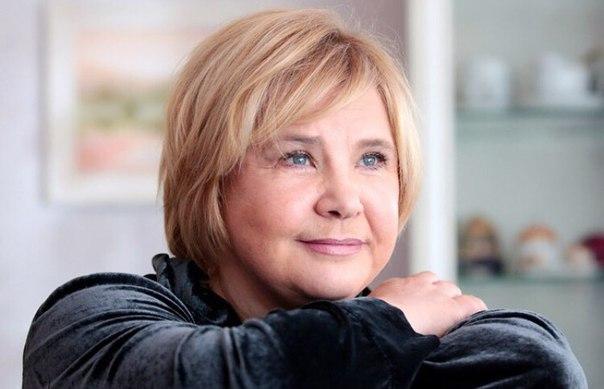 27 февраля 1957 года родилась Татьяна Анатольевна Догилева - советская и российская актриса театра и кино, кинорежиссёр, народная артистка Российской Федерации (2000). Училась в школе при Академии педагогических наук, в четырнадцать лет была принята в сту