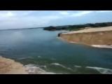 ... А вы видели... как река впадает в море ..?