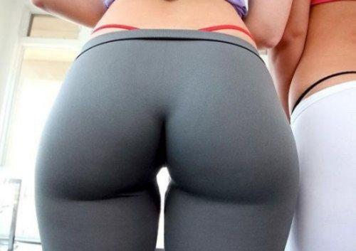 Hotty sucking dick pic