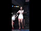 Азиатские певицы в мини юбках