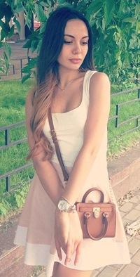 Соня Липатова, id45427467