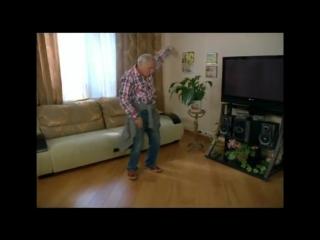 Реакция деда на АК47 - Ака а как поднять бабла