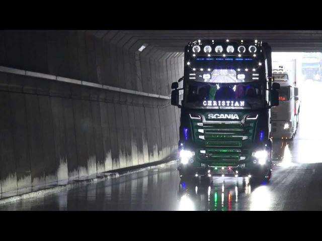 Klapperde Scanias V8 trucks uit Italië - intocht truckstar festival editie 2013