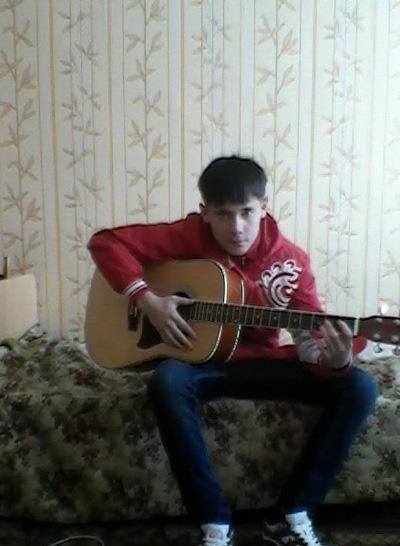 Денис Джураев, 22 апреля 1995, Москва, id182792311