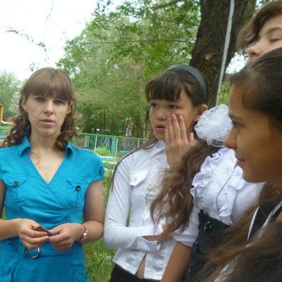 Лиза Мурзабекова, 14 сентября 1999, Зуевка, id203090894