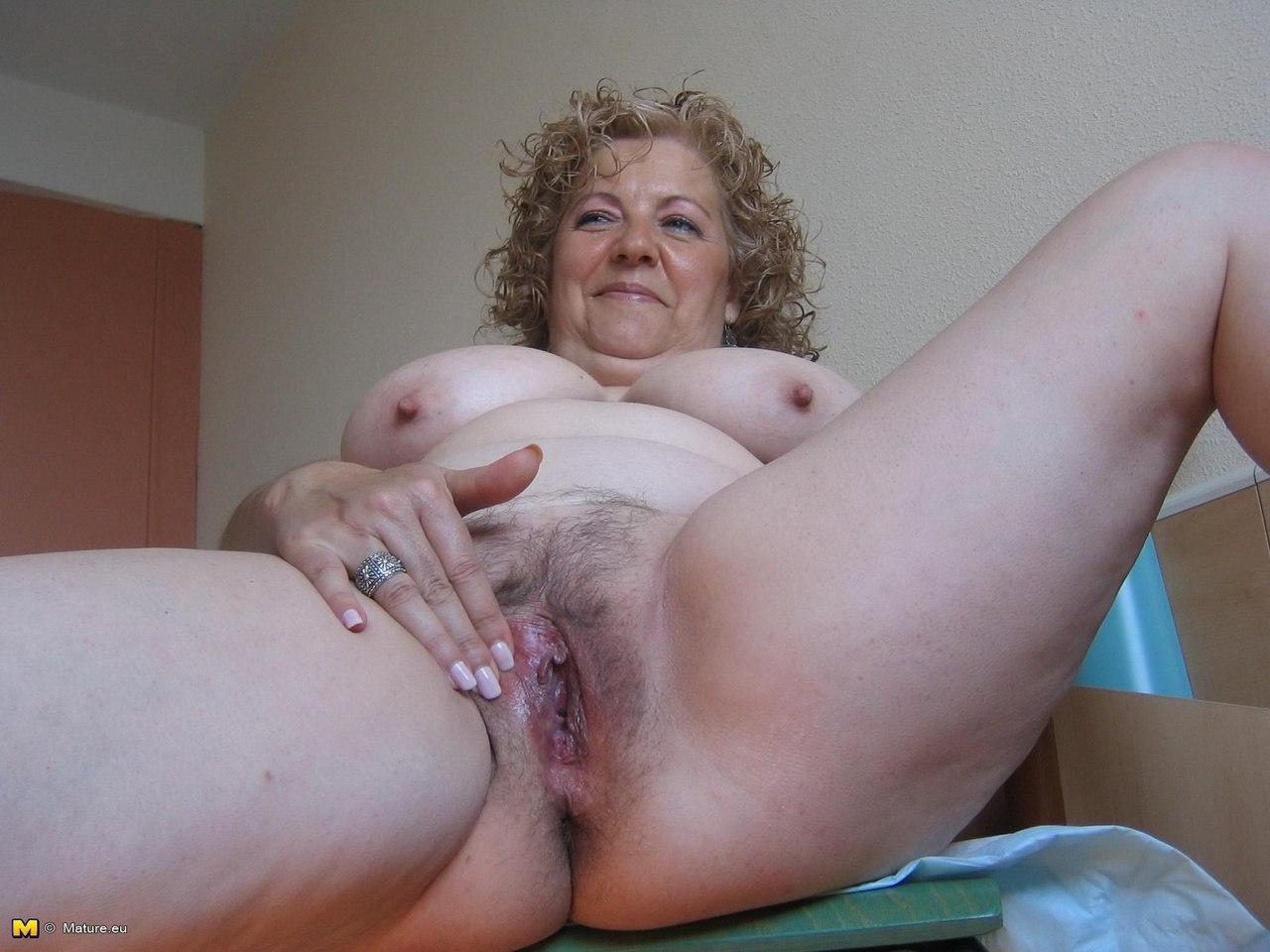 Порно фото грудастых теть 22 фотография