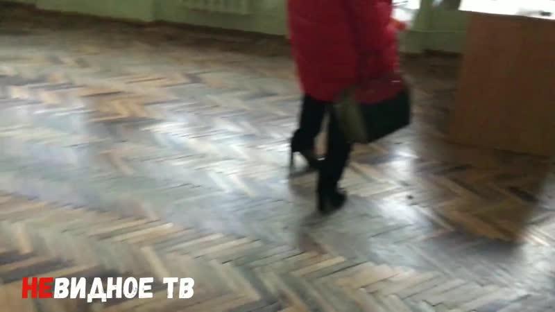 Из школы Горки бесконтрольно вывозятся парты, доски, стулья