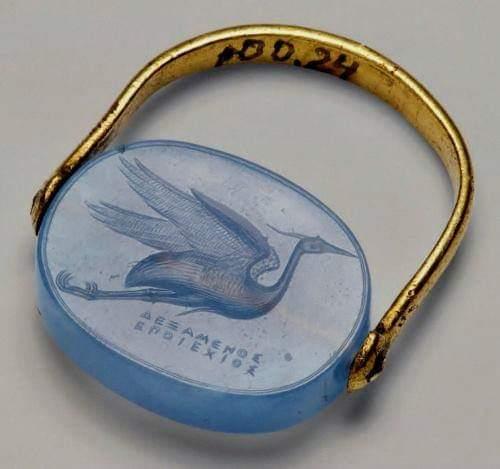 Гемма (драгоценный камень) с летящей цаплей Дексамена Хиосского.