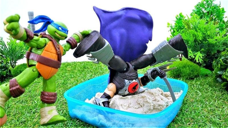 Ninja Kaplumbağalar kumda pizza pişiriyorlar! Çocuk videoları. Yemek yapma oyunu