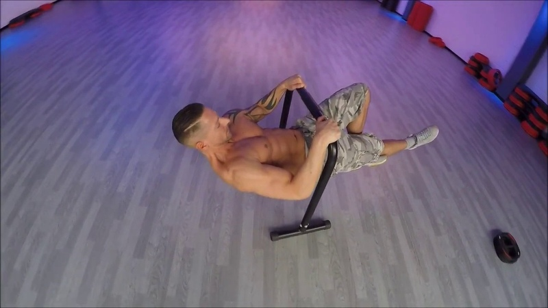 Exercices with equalizers : Planches / Front-levers Wide Pull-ups Slow Muscle-up on wrists...