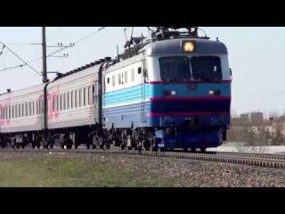 ЧС2к-913 с поездом №94