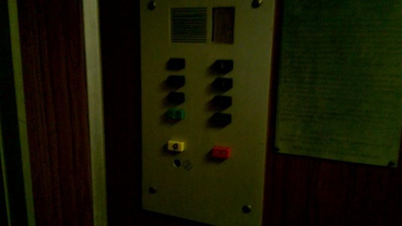 Электрические лифты залипайки 500 кг грузовой и административный пассажирский (КМЗ-1981 г.) ЧАСТЬ 1.