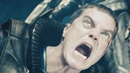 Человек из Стали Кал-Эла отправляют на землю Зод убивает Джор-Эла