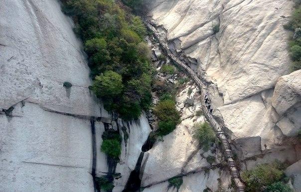 Пешеходный маршрут смерти на горе Хуашань