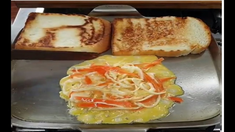 DIY FOOD: How To Make Bread With Salad, Carrot and Fry Egg|Crescent Roll Carrots full of Egg Salad