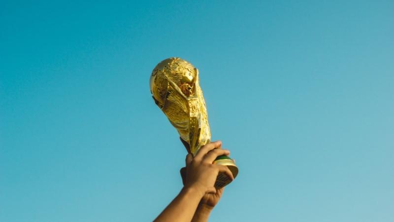 Определяем победителей футбольного конкурса;)
