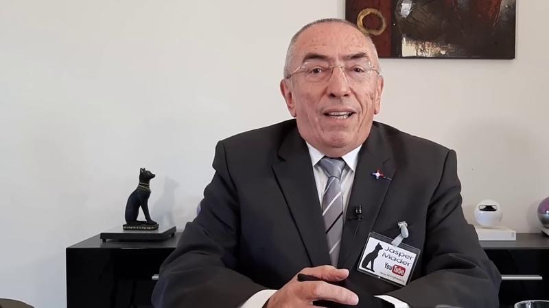 Serge Petitdemange de la chaine YouTube Jasper Mader s'adresse à l'Armée française