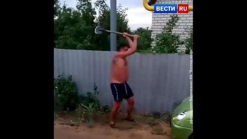 Соседи в Саратове устроили битву на лопатах: