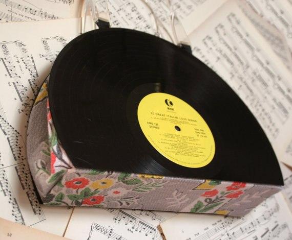 Подарок своими руками из виниловых пластинок 70