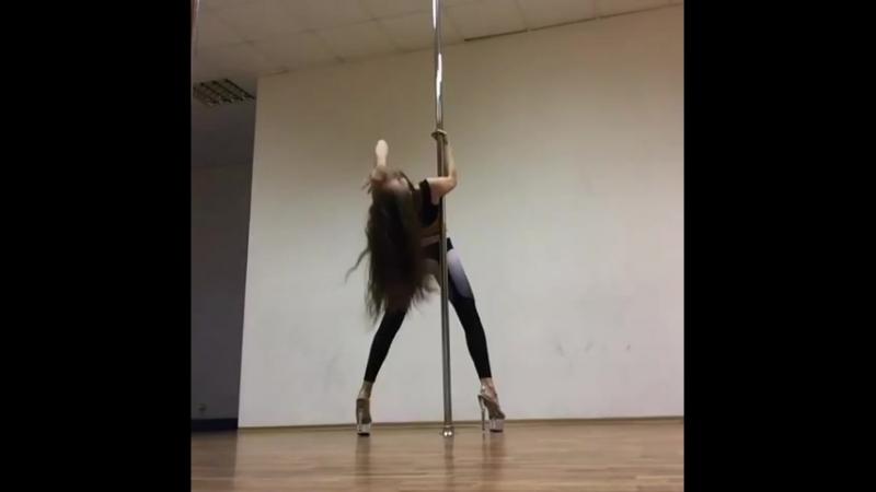 Pole Exotic - Виктория