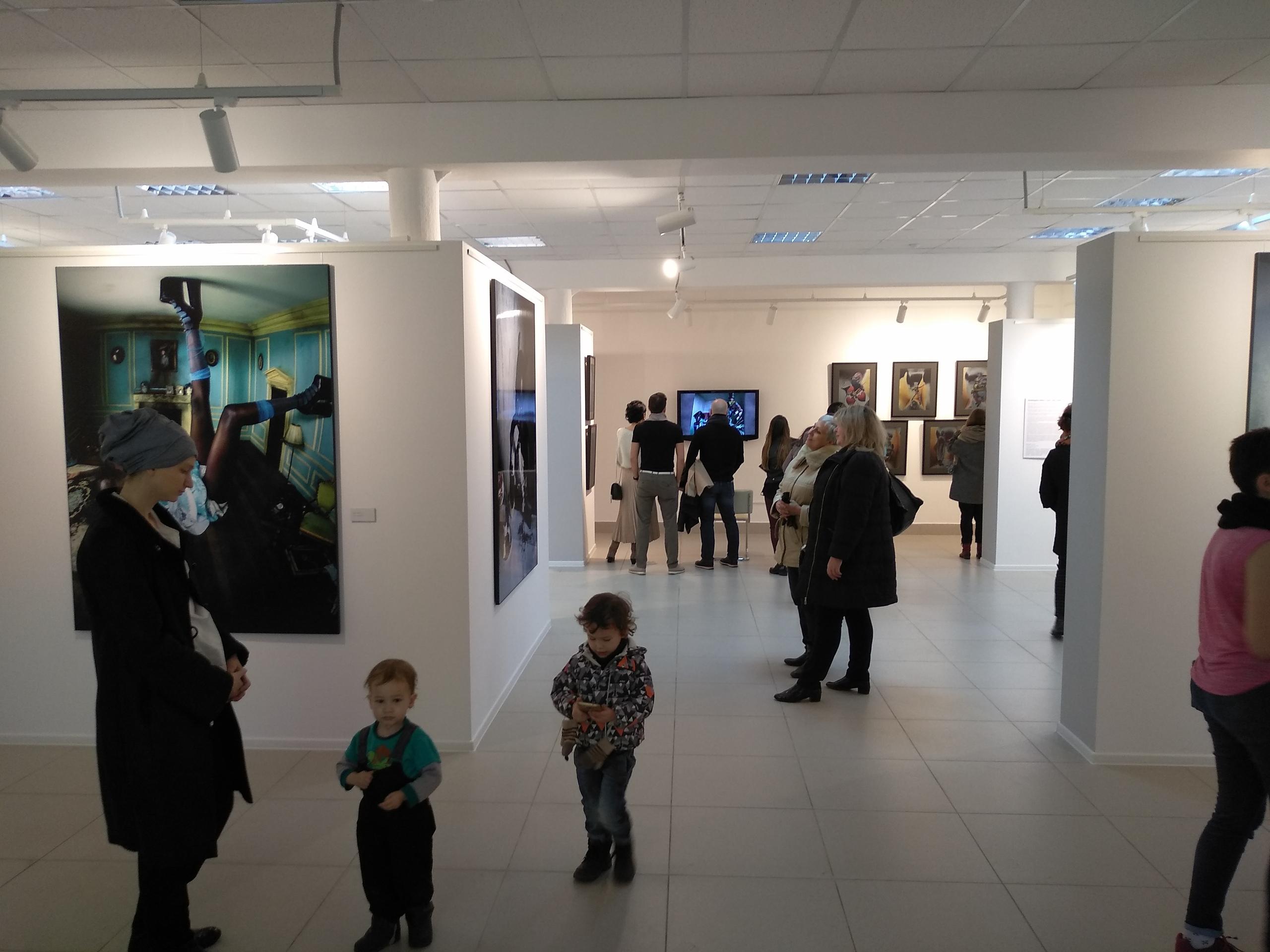 Выставочный зал галереи БИЗОN