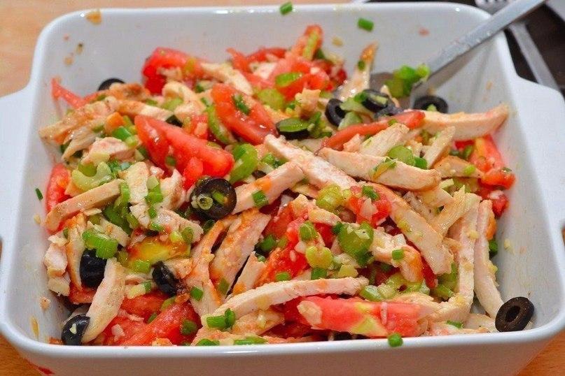 Рецепт диетического салата из куриной грудки с