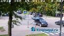 Две Лады встретились у полиции. Видео момента ДТП в Кингисеппе с веб-камеры KINGISEPP