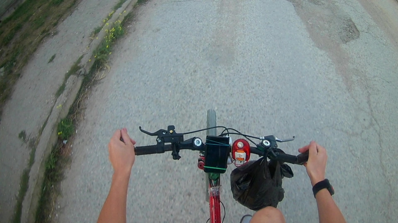 Русский Drive by dunk challenge на велосипеде с экшн камерой.