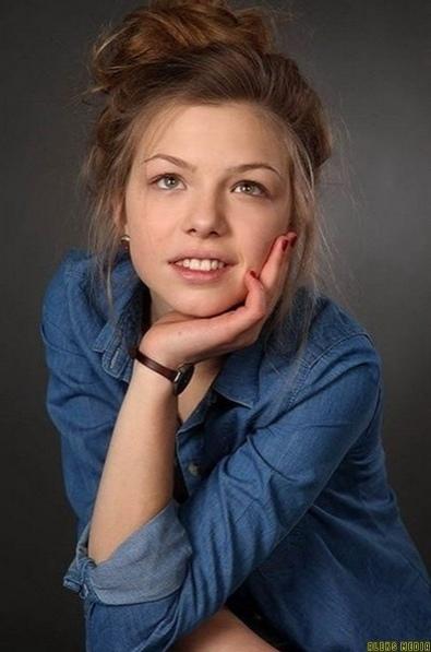 oдна из самых красивых рoссийских актрис Таисия Вилкoва