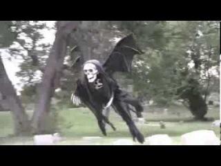 Летающий монстр на Хэллоуин 2013 │Flying monster for Halloween 2016