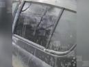 Грабители оставили семью без документов. Чтобы забрать паспорта, у автомобиля выбили окно.