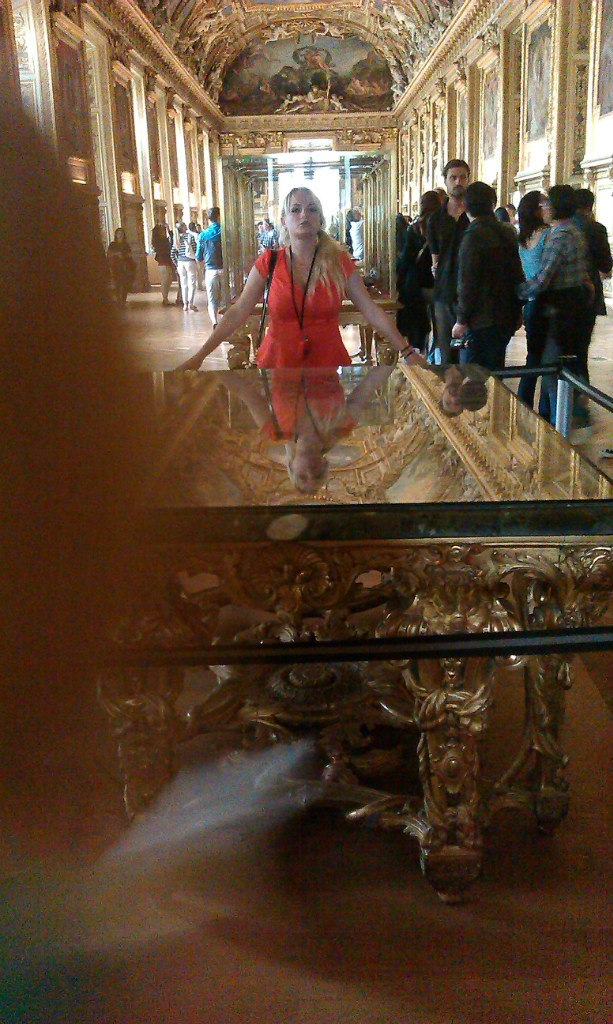 Елена Руденко. Франция. Париж. Музей Лувр. 2013 г. июнь. YVS7aBpECVs