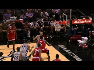 Manu Ginobili Assists Jeff Ayres Through Epke Udoh's Legs