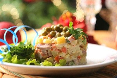 Салат «Оливье» для новогоднего