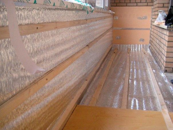 Как утеплить лоджию. Чтобы обеспечить комфорт в квартире с открытым балконом, необходимо капитально утеплить лоджию — ее пол, потолок и стены. Чем и как утеплять это зависит от результата, который вы хотите получить. Точнее, от того, насколько вы хотите утеплить лоджию или балкон. Утеплять лоджии намного проще и дешевле, а вот утепление же балконов — мероприятие весьма затратное. На теплопотери влияют тысячи факторов: • Сторона, на которую выходит балкон (на юг или на север); • Застеклены ли…