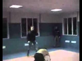 Русский спецназовец против Чеченца бой без правил.mp4