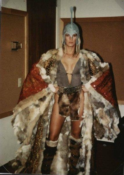 ÁLBUM DE FOTOS Conan the Barbarian 1982 - Página 2 YWvXKkz07m0