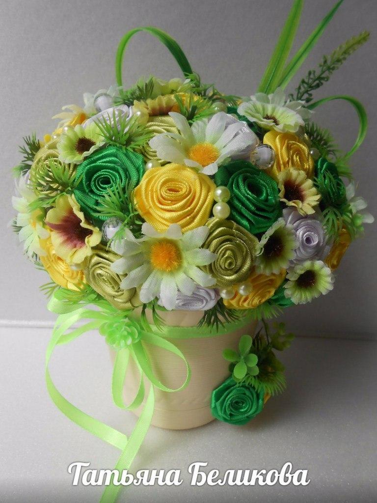 Цветы из атласных лент в горшочке своими руками 5