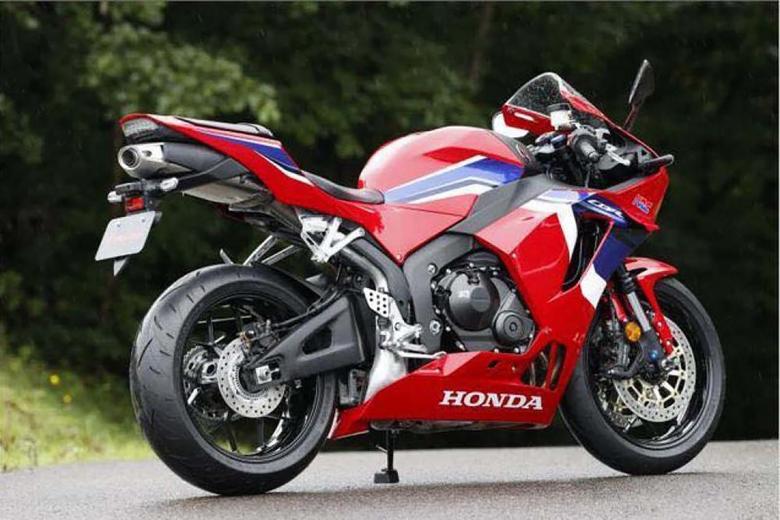 Еще фото нового Honda CBR600RR
